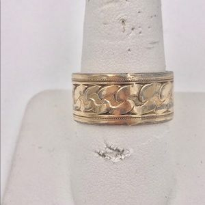 Antique 10K Gold Fill Hand Chased Cigar Band Ring
